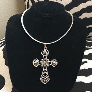 Jewelry - New cross pendant and plated chain